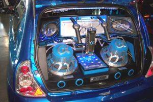 como armar un equipo de sonido para auto