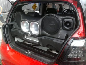 como hacer cajas de parlantes para autos